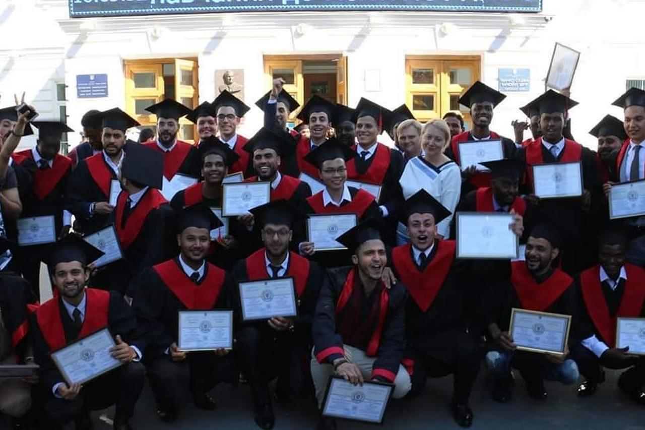 Вручення дипломів іноземним студентам