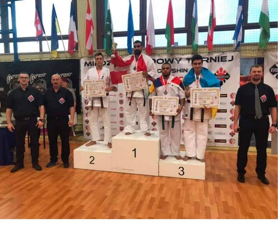 Студенти-каратисти зійшли на п'єдестал переможців на турнірі в Польщі