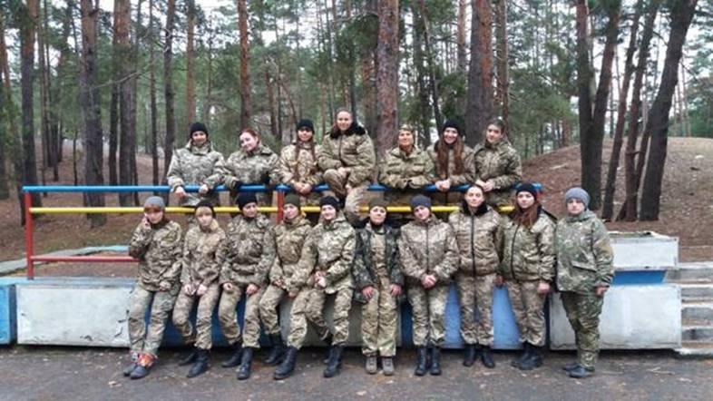 У ПолтНТУ дівчата взяли участь у військово-патріотичному проекті «Жіночому батальйоні- 2017»