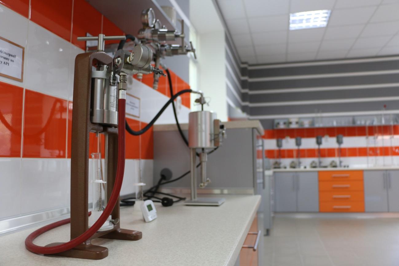 Сучасна лабораторія нафтогазових технологій ПолтНТУ одержала свідоцтво «Про відповідність стану системи вимірювань»