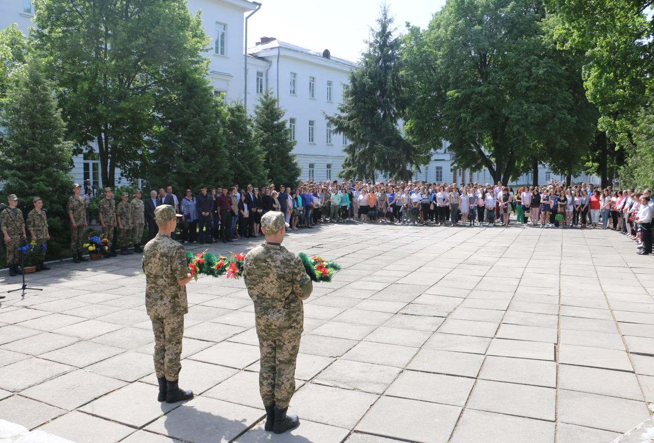 У ПолтНТУ відбувся мітинг-реквієм з нагоди відзначення Дня пам'яті та примирення і 73-річниці перемоги над нацизмом у Другій світовій війні