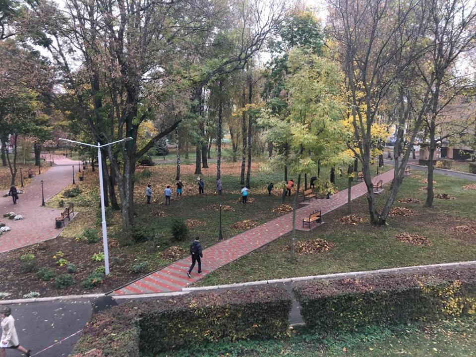 Яскраві барви осені на території ПолтНТУ