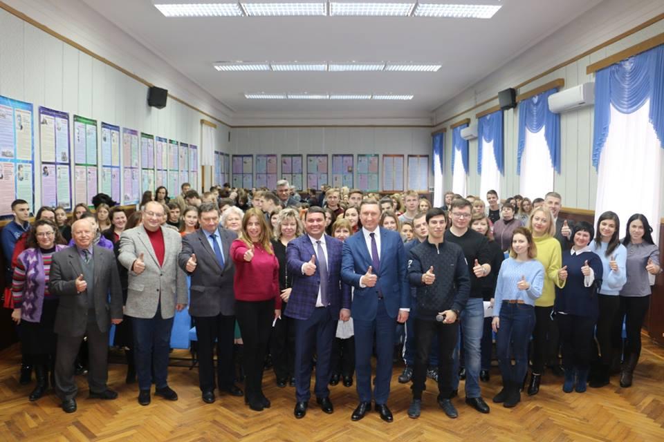 У ПолтНТУ відбулася панельна дискусія «Економічний розвиток Полтавської області в контексті процесів децентралізації»