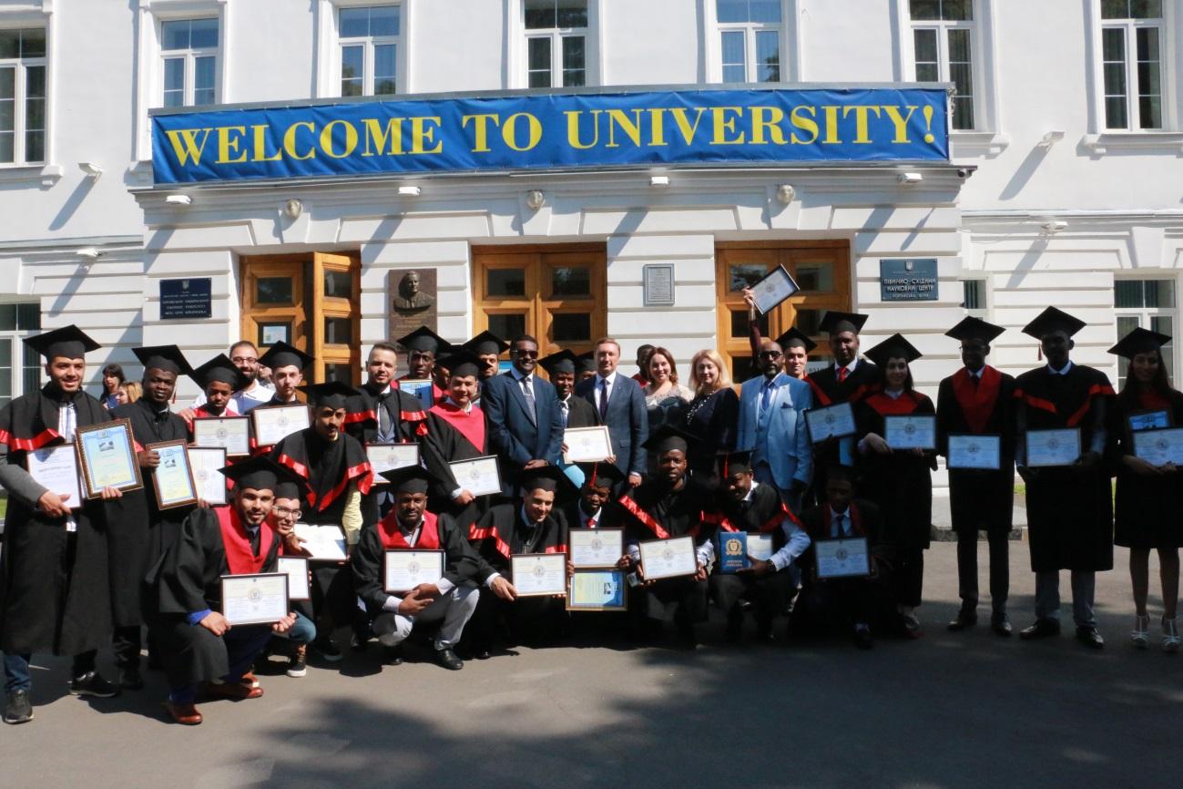 У ПолтНТУ відбулося вручення дипломів студентам-іноземцям
