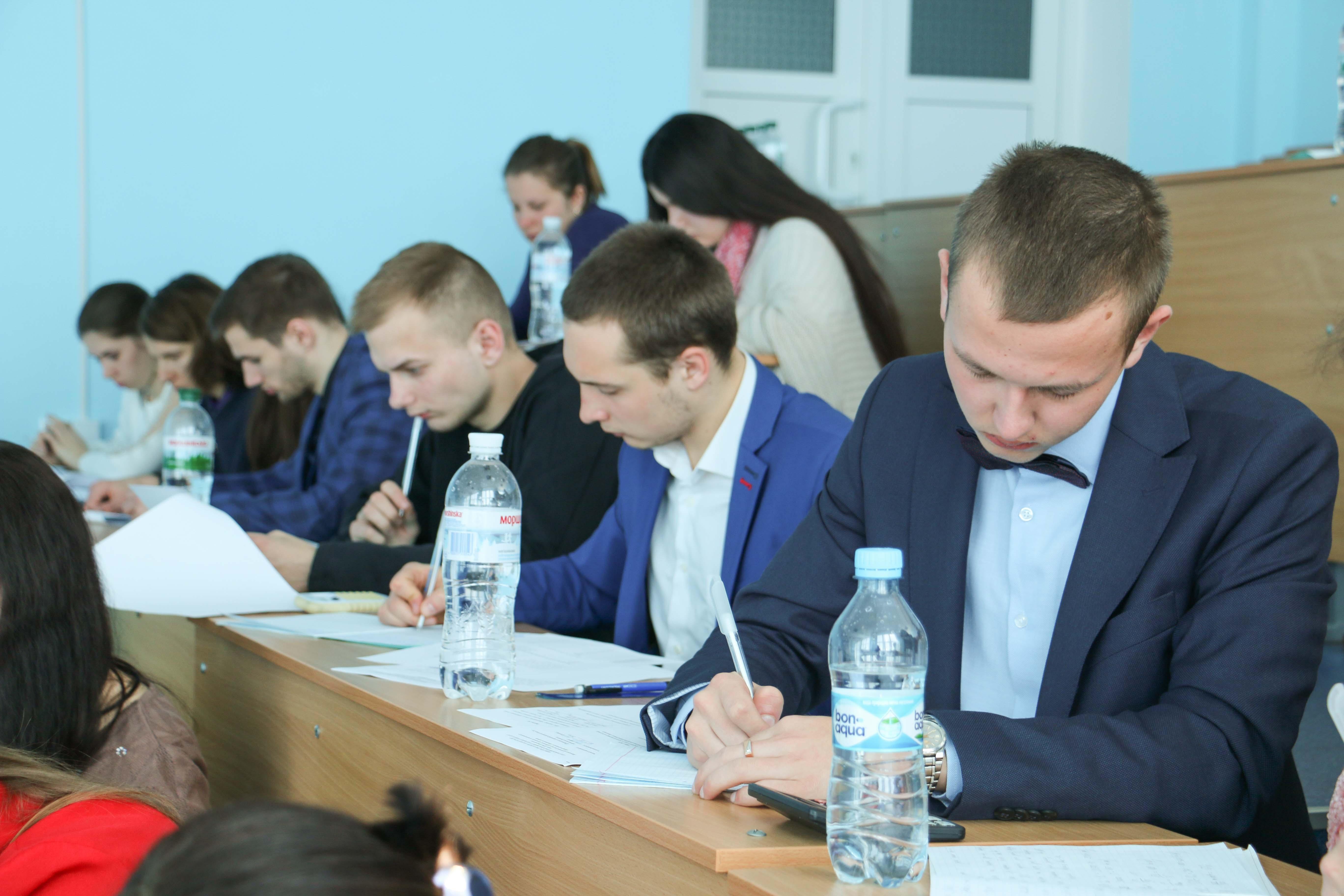 У ПолтНТУ студенти складають іспити на здобуття освітньо-кваліфікаційного рівня «бакалавр»