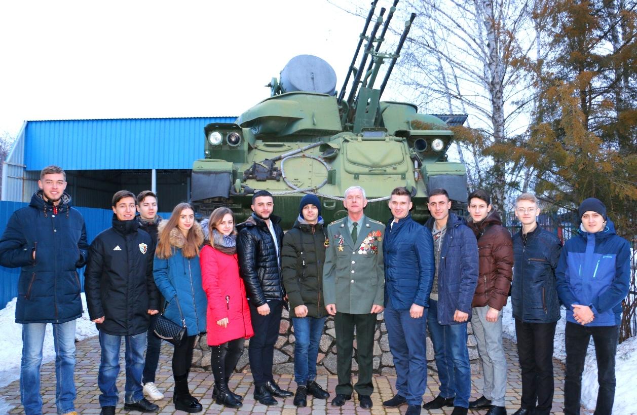15 лютого українці  відзначають День вшанування учасників бойових дій на території інших держав.