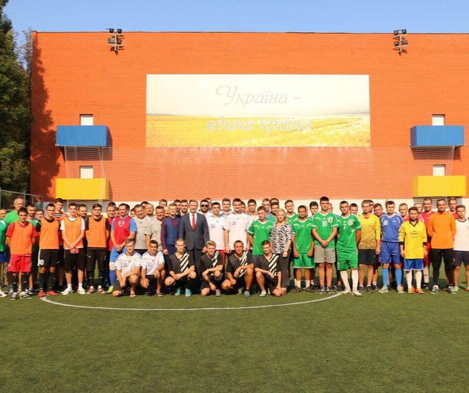 Викладачі і студенти змагались за футбольний Кубок співдружності