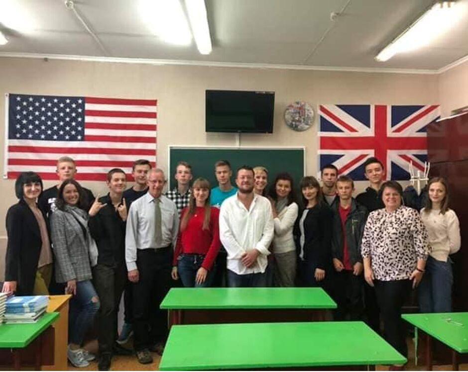 Американські волонтери зустрілись з колективом гуманітарного факультету
