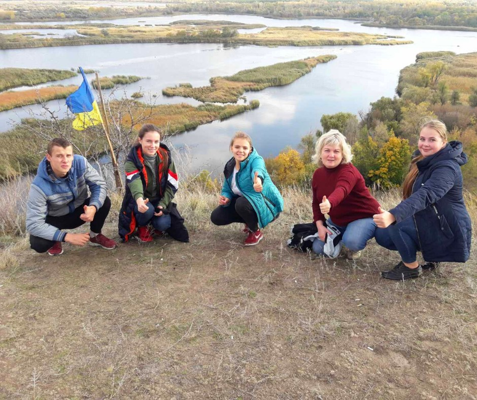 Студенти-екологи під час екскурсії влаштували акцію по захисту птахів від забруднення пластиком