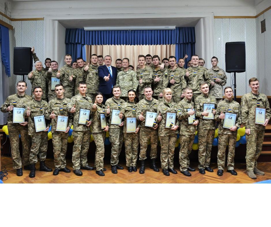 День Збройних Сил  України: випускникам кафедри військової підготовки присвоєно офіцерське звання