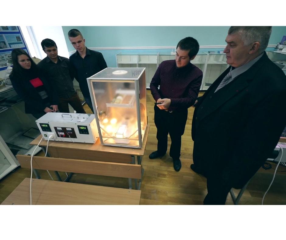 Студенти, які розробили установку для теплиці та енергоощадний інкубатор, нагороджені дипломами переможців всеукраїнського конкурсу