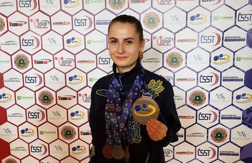 Випускниця політехніки – чемпіонка світу з пауерліфтингу відзначена до Дня фізичної культури та спорту України