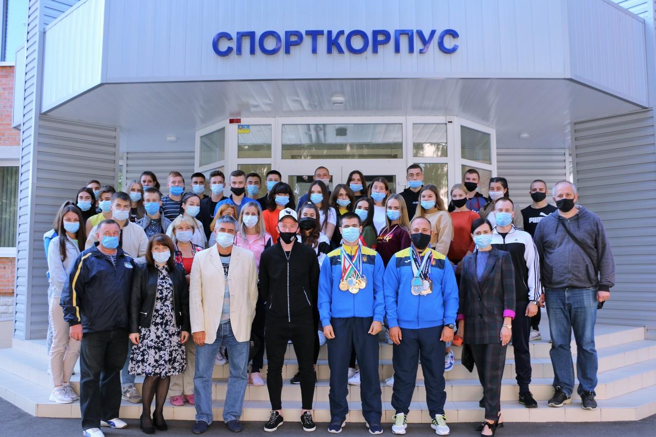 Відомі полтавські спортсмени завітали на Олімпійський урок
